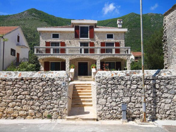 Seafront villa for sale in Bay of Kotor