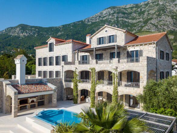 Luxury villa for sale in Bay of Kotor