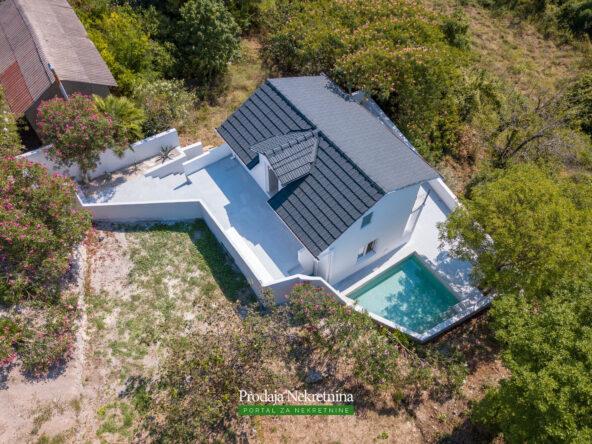 Renovated house for sale in Herceg Novi