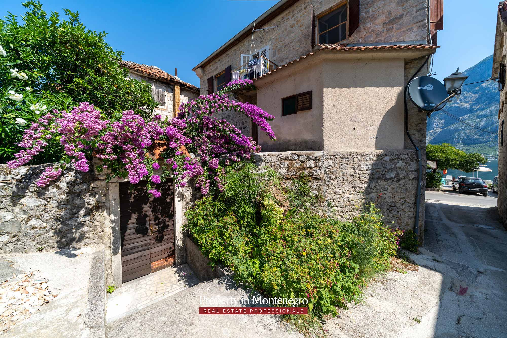Waterfront old stone house for sale in Bay of Kotor