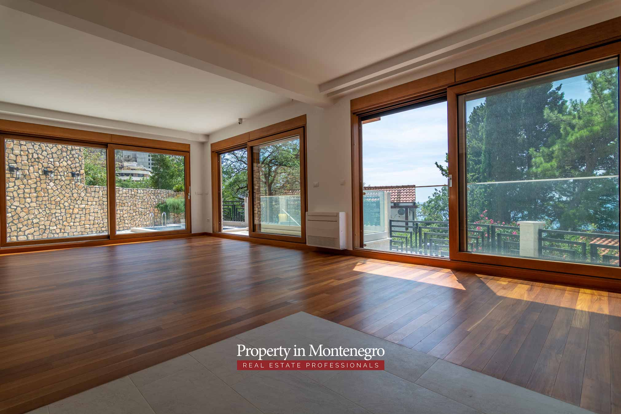 Beachfront villa for sale in Budva