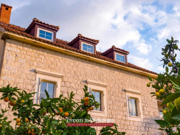 Seafront stone house for sale in Kotor Bay