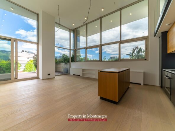 Luxury duplex for sale in Budva