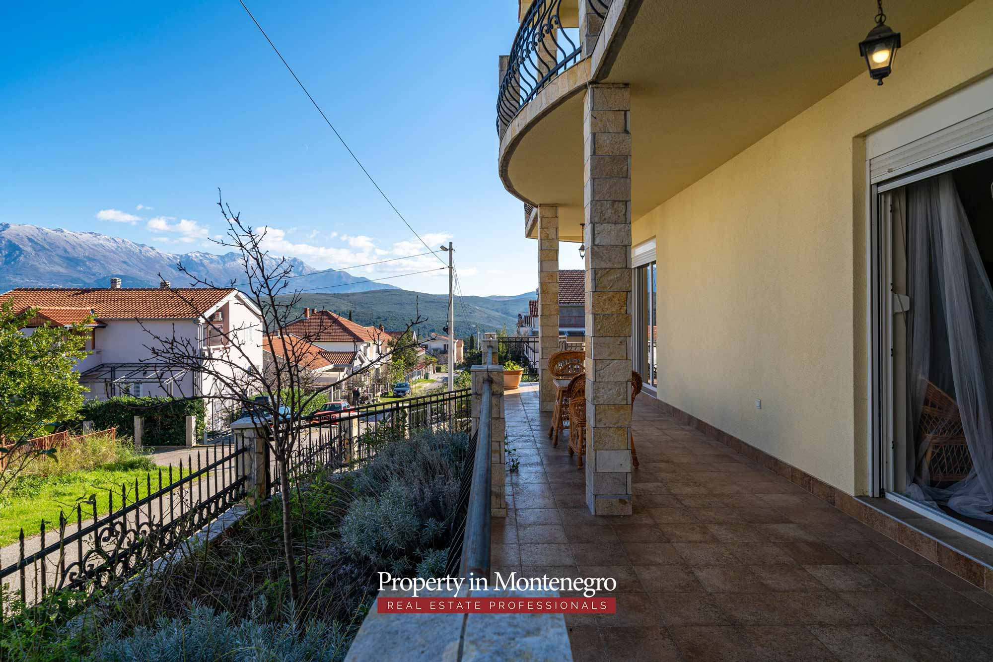 House for sale in Tivat Bay