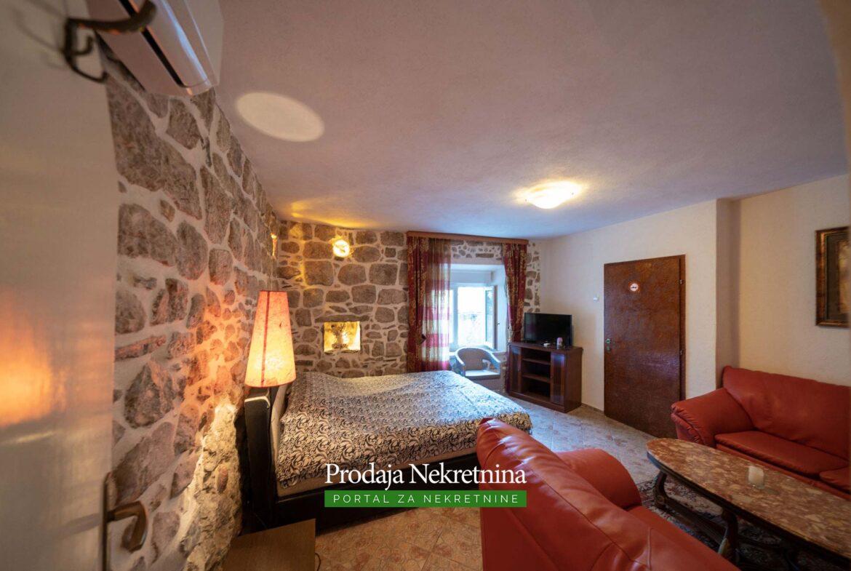 Studio for sale in Perast