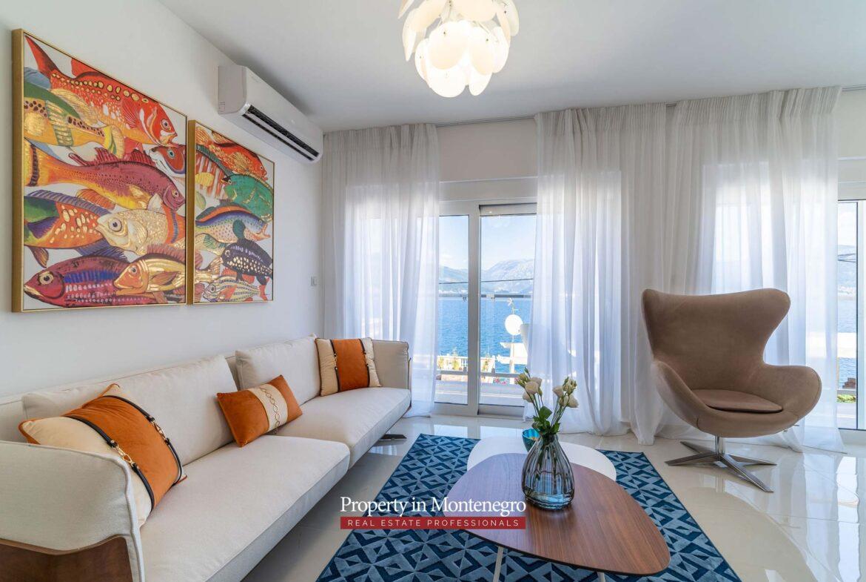 Villa for sale in Tivat Bay