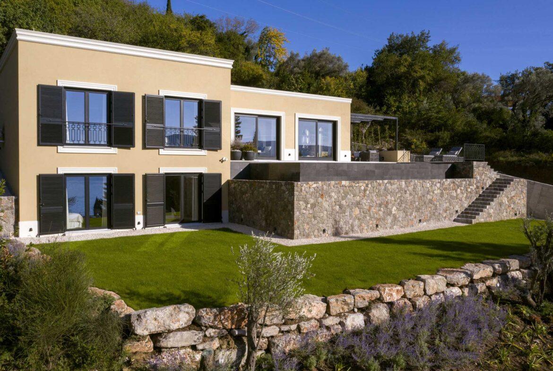Modern villa for sale in Tivat