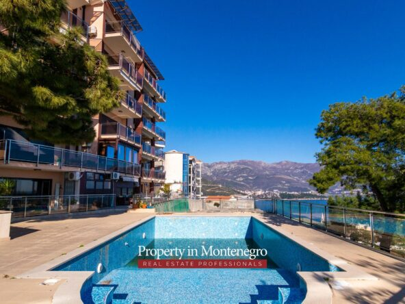 Apartment with swimming pool for sale in Budva