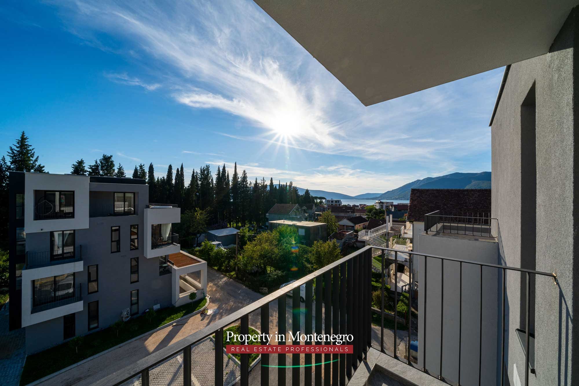 Penthouse for sale in new building in Tivat