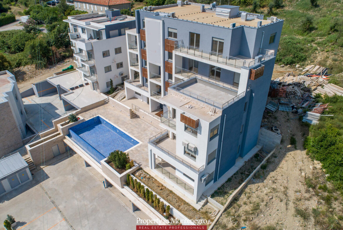 Penthouse for sale in Tivat