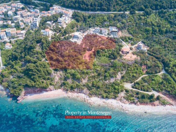 Seafront land for sale near Sveri Stefan