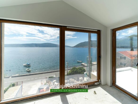 Seafront apartment for sale in Tivat Bay