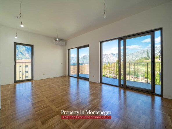 Seaview apartment for sale in Kotor Bay