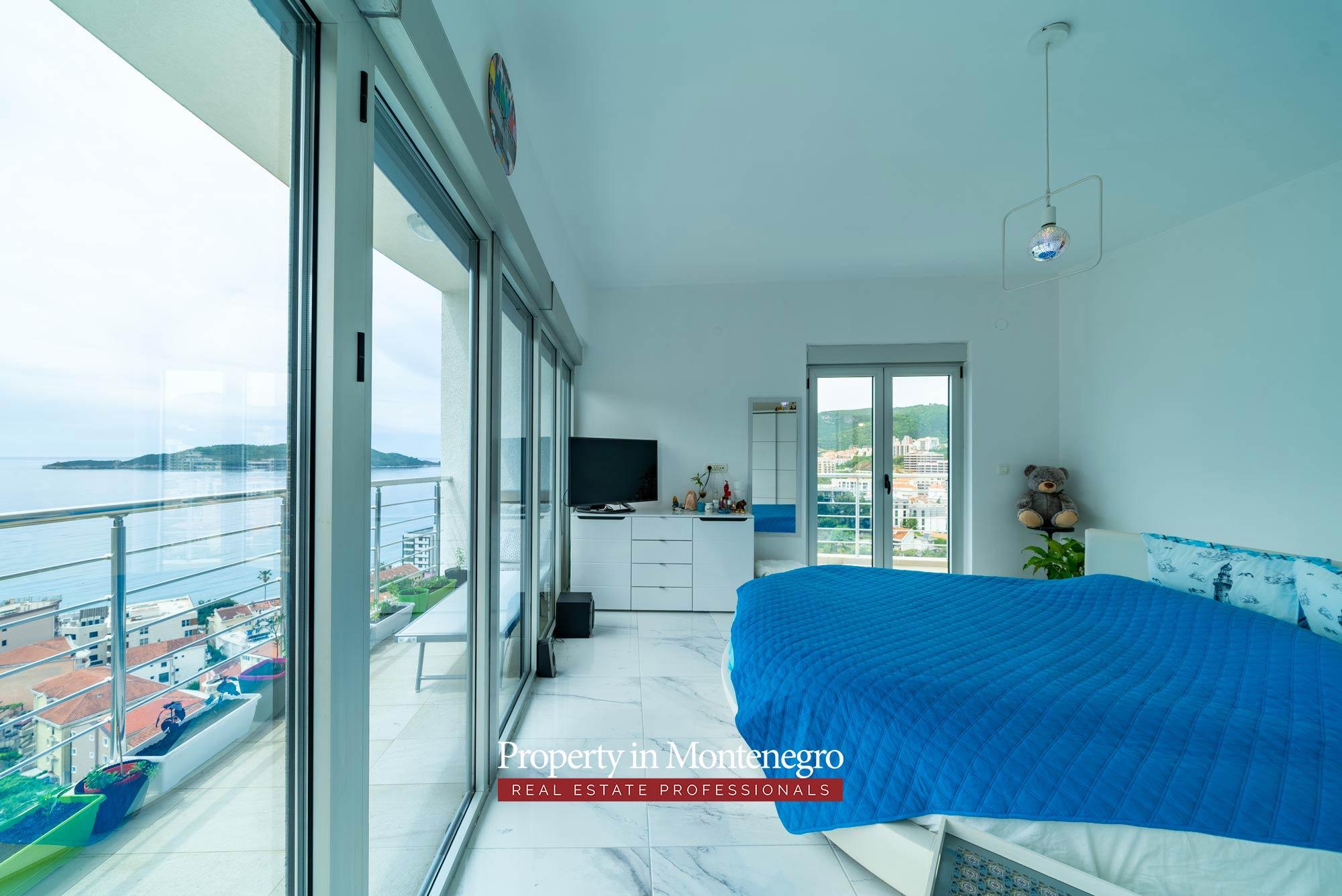Two bedroom apartment for sale in Rafailovici
