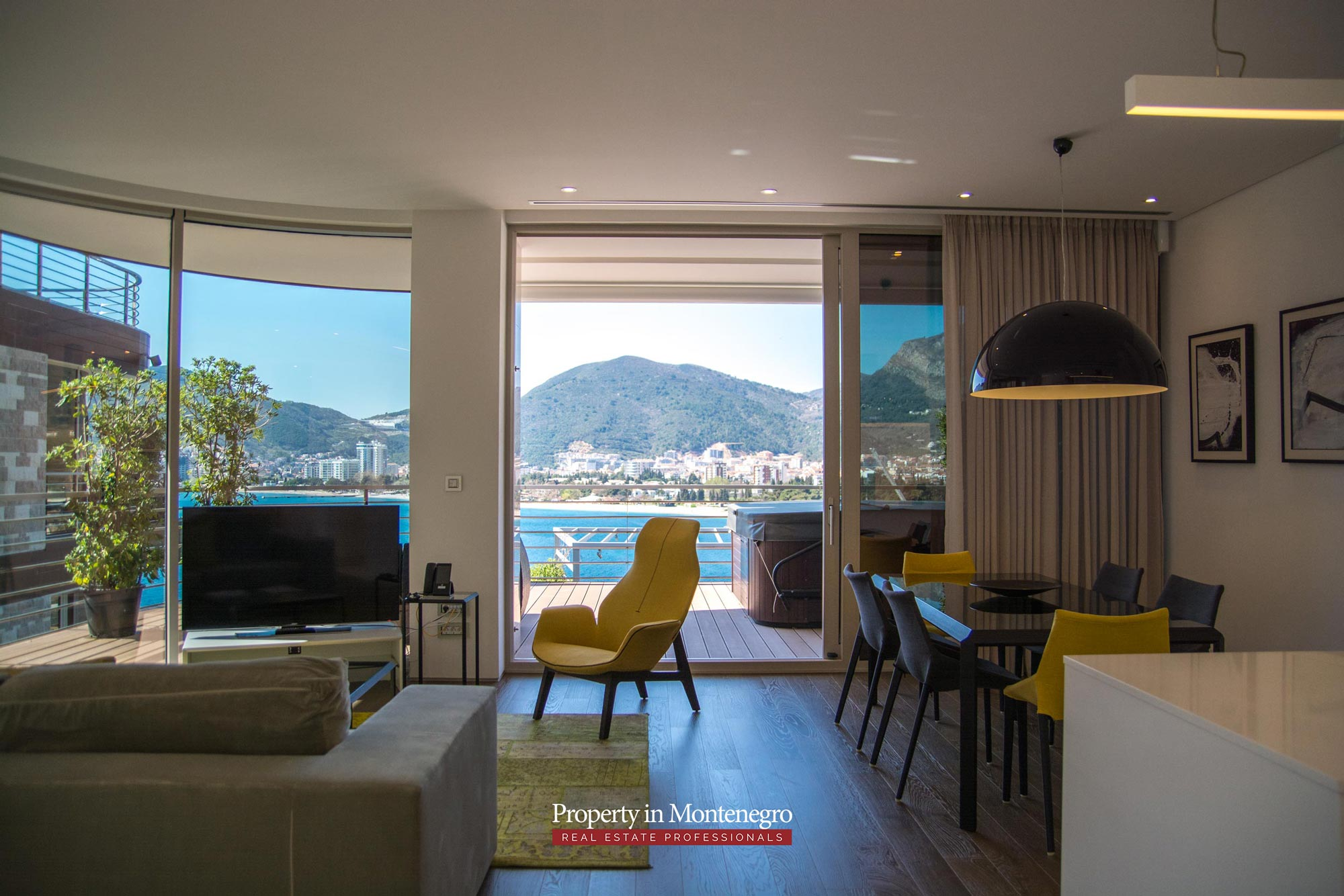 Luxury apartment with seaview for sale in Budva