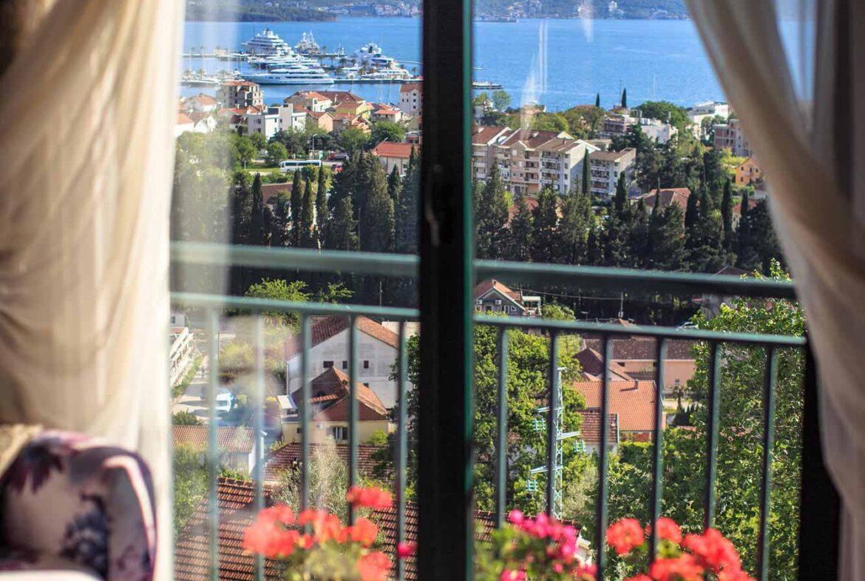 House for sale near Porto Montenegro