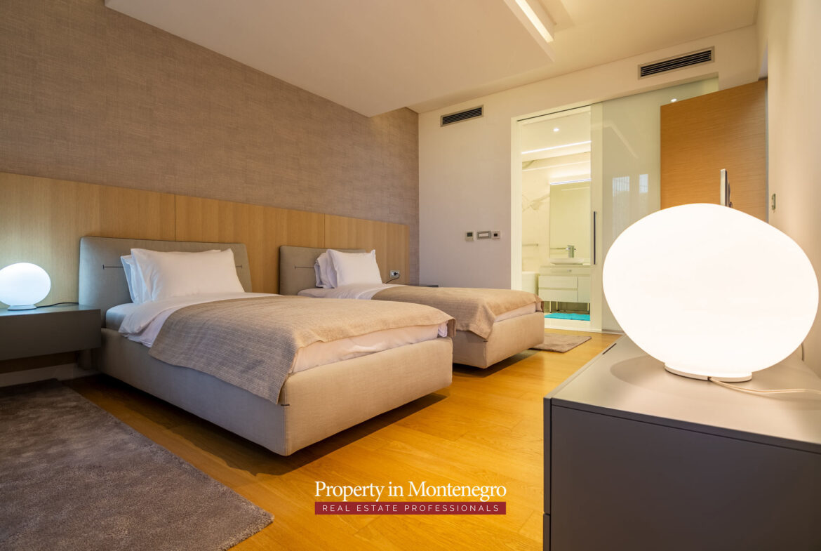 First line luxury penthouse for sale in Budva