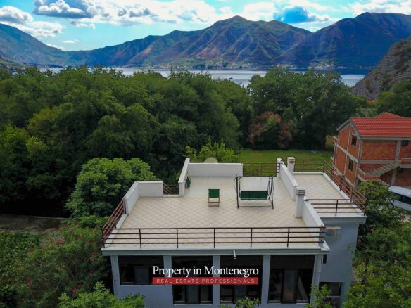 House for sale in Bay of Kotor