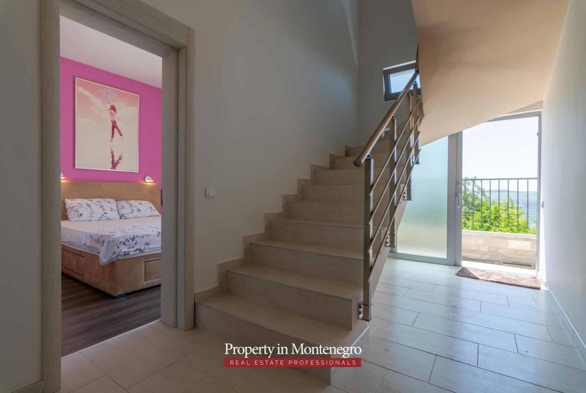 Luxury house for sale in Tivat Bay