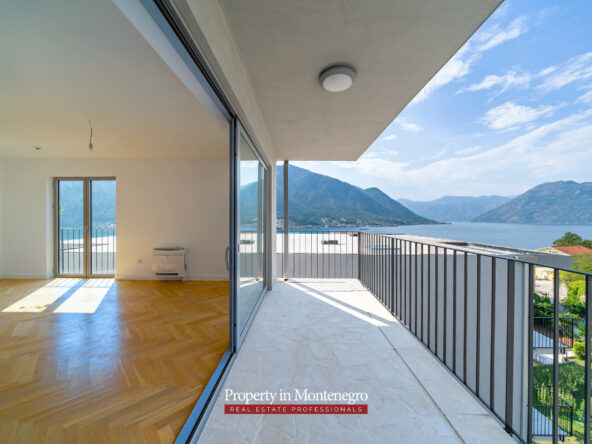 Penthouse for sale in Kotor