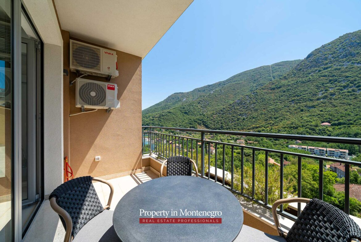 Penthouse for sale in Bay of Kotor
