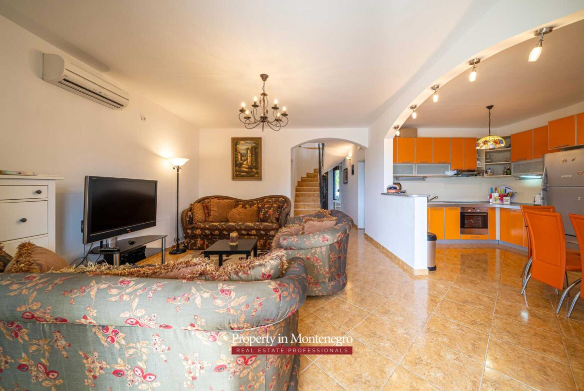 Waterfront house for sale in Bar