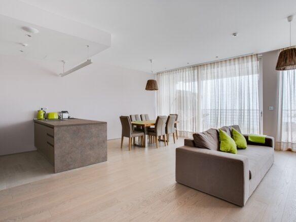 First line apartment in Dukley Gardens