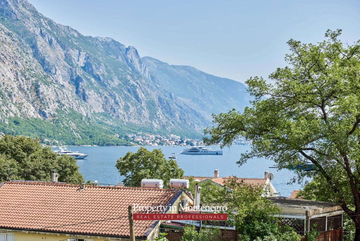 Apartment for sale in Kotor Bay