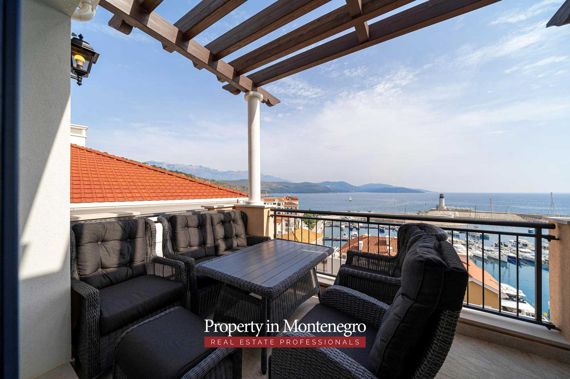Luxury apartment for sale in Lustica Bay