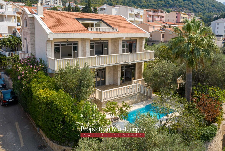 Luxury villa for sale in Budva Riviera