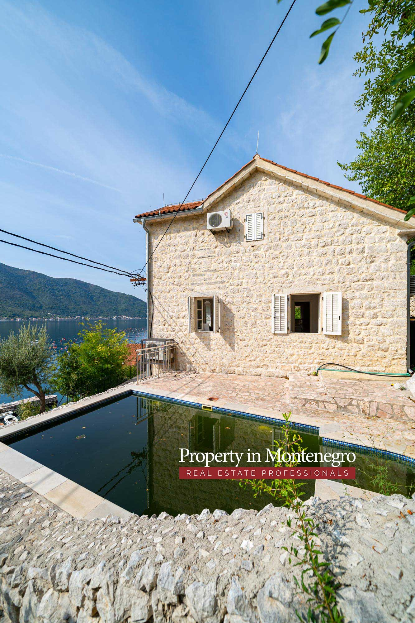 Stone house for sale in Bay of Kotor